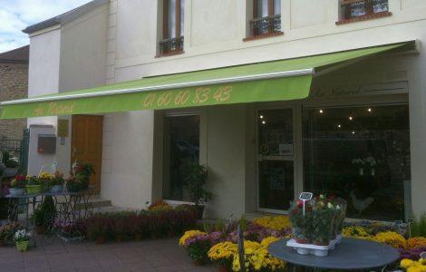 Store extérieur fleuriste