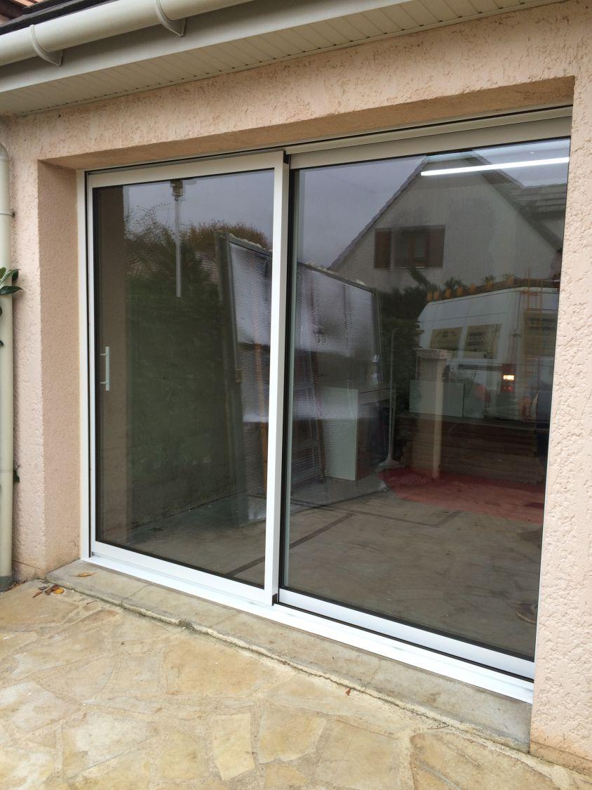Transformation d 39 une porte de garage par tfs lieusaint 77 - Remplacer porte de garage par baie vitree ...