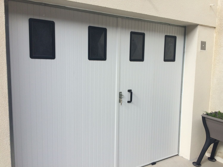 Porte de garage battante pvc ouverture la fran aise for Porte fenetre ouverture a la francaise